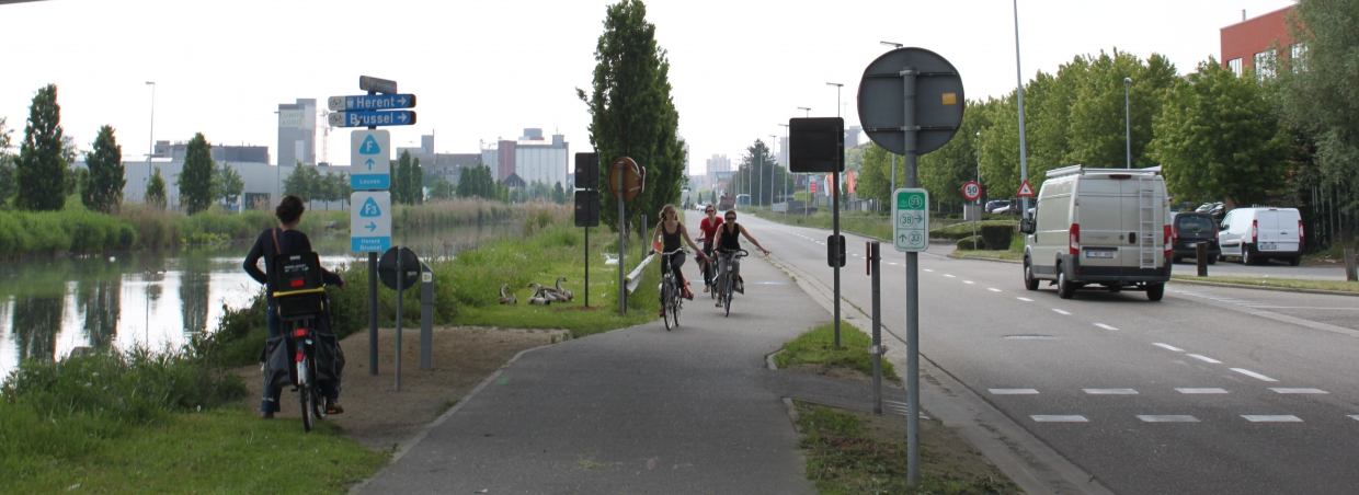 The five Flemish provinces give their cycle highways a uniform look